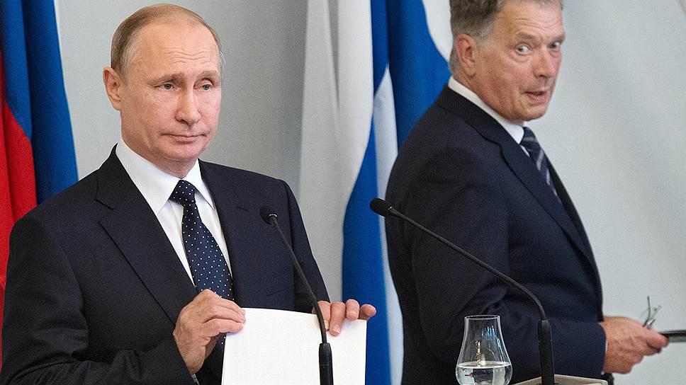 Президент Финляндии Саули Ниинистё на пресс-конференции пытался сохранить нейтралитет, в отличие от президента России Владимира Путина