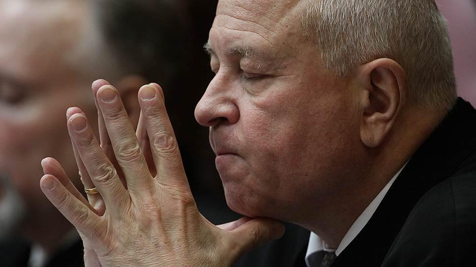 Судья Юрий Данилов смотрит на проблему Исаакия по-иному, нежели его коллеги