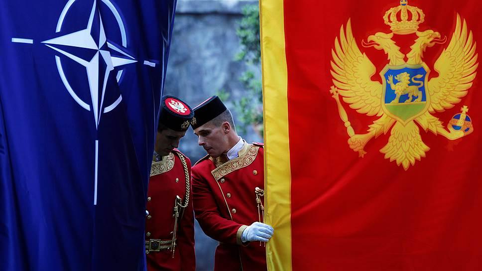 Как США возвращаются на Балканы через расширение присутствия НАТО в регионе
