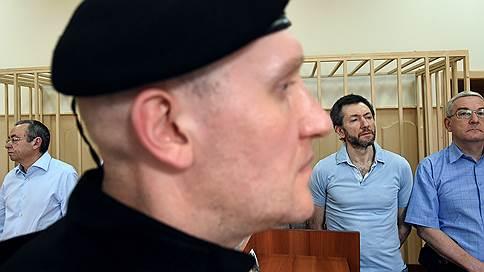 Топ-менеджеры «Реновы» остались без прогулок  / Суд продлил им домашний арест, но не смягчил его режим