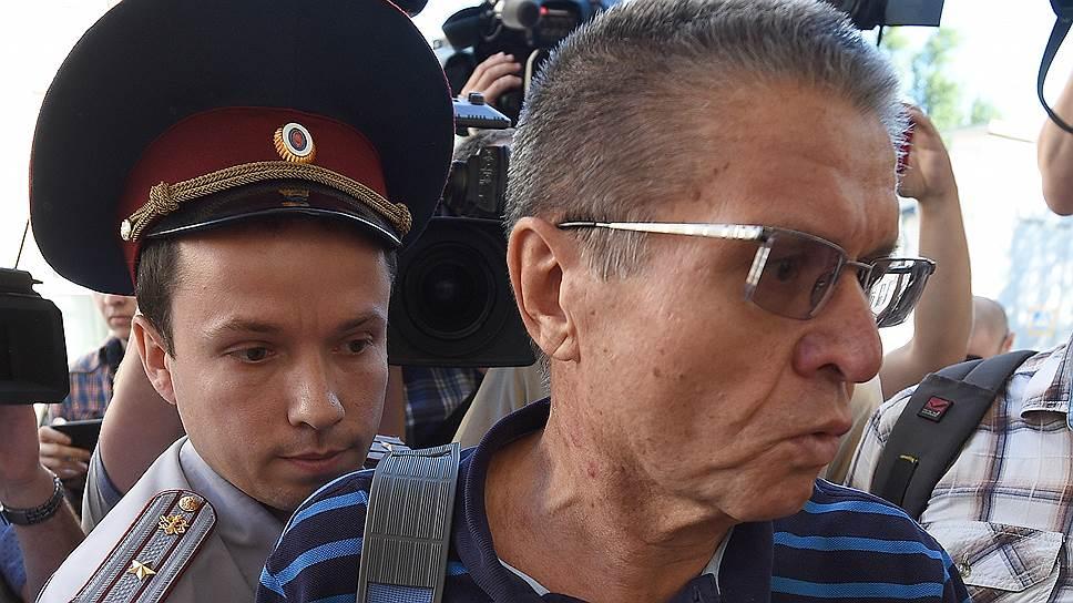 В суде по своему делу Алексей Улюкаев выступил не только в роли обвиняемого, но и обвинителя