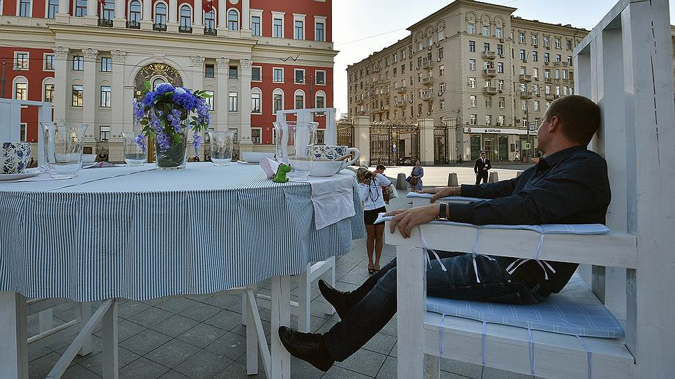 Россияне продолжают экономить и предпочитают проводить досуг скромно