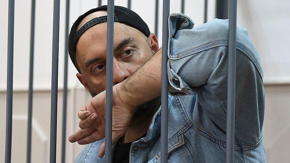 Кирилла Серебренникова выпустили из-за решетки, но к творческой деятельности он сможет вернуться нескоро