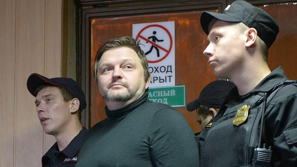 Никита Белых хочет, чтобы суд заслушал его раньше свидетелей по делу