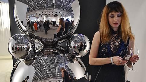 Галереи показали продажи  / Завершилась ярмарка Cosmoscow