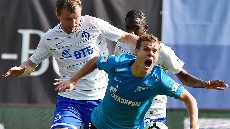 Закончив второй подряд матч чемпионата, теперь против «Динамо», нулевой ничьей, «Зенит» (на переднем плане — Александр Кокорин) все-таки сохранил лидерство