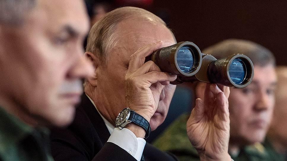 Как Владимир Путин держал на учениях оборону за себя и Александра Лукашенко
