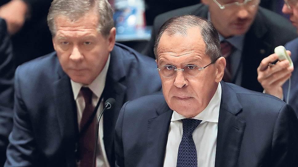 Выступая на заседании Совбеза ООН, Сергей Лавров призвал украинскую делегацию не увиливать от выполнения минских соглашений — но Петр Порошенко к тому моменту зал уже покинул