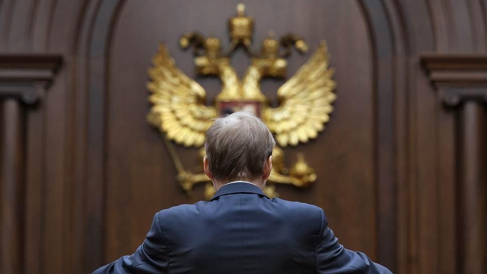 Почему неюристов лишают права представительства в суде