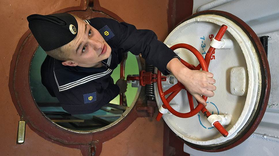 Военным морякам хватает вызовов и не хватает обеспечения