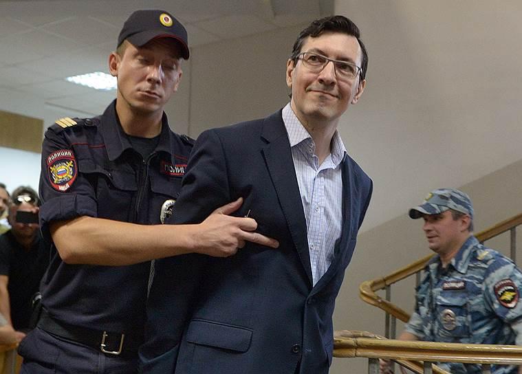 Судьба вынесенного Александру Поткину (в центре) приговора определится в Верховном суде
