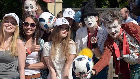 Finn Flare приобщается к футболу // Ритейлер сможет продавать одежду с символикой FIFA