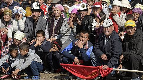 Революция бюллетеней // Киргизия ждет мирной смены власти
