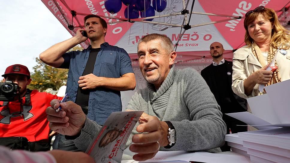 Миллиардера и лидера популистской партии ANO Андрея Бабиша (на фото) чешские журналисты сравнивают одновременно с Дональдом Трампом и Сильвио Берлускони