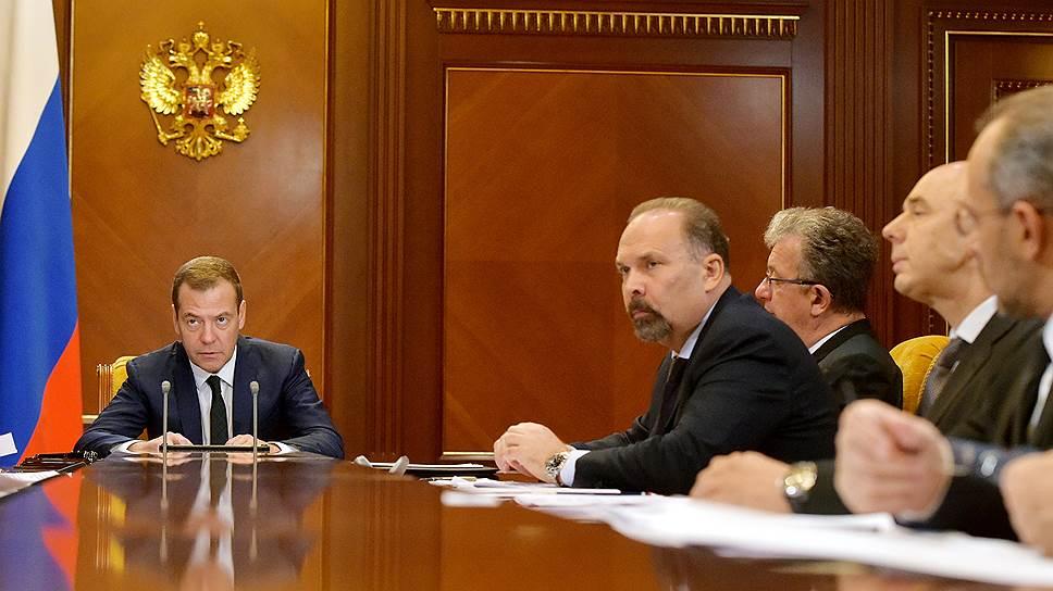 На совещании в Горках Дмитрий Медведев распорядился «в кратчайшие сроки» установить точное число пострадавших дольщиков