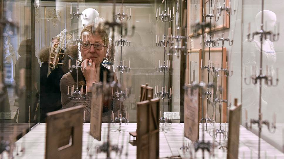 Выставки театральных работ Кочергина всегда как будто эскиз, заметка, work in progress, только что пойманная идея