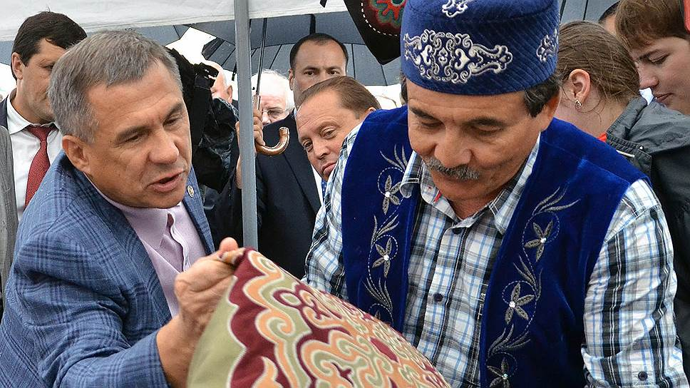 Как интеллигенция Татакстана призвала Рустама Минниханова к борьбе за равноправие русского и татарского