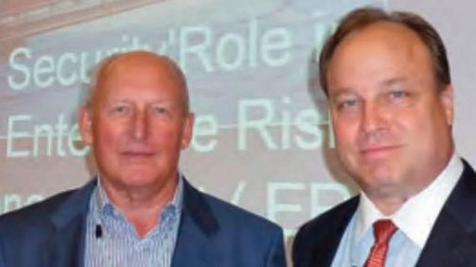 У Виктора Буданова (слева) были традиционно хорошие отношения с представителями американского охранного бизнеса (на фото — Джефф Спивей, экс-президент Американского сообщества по промышленной безопасности, ASIS)