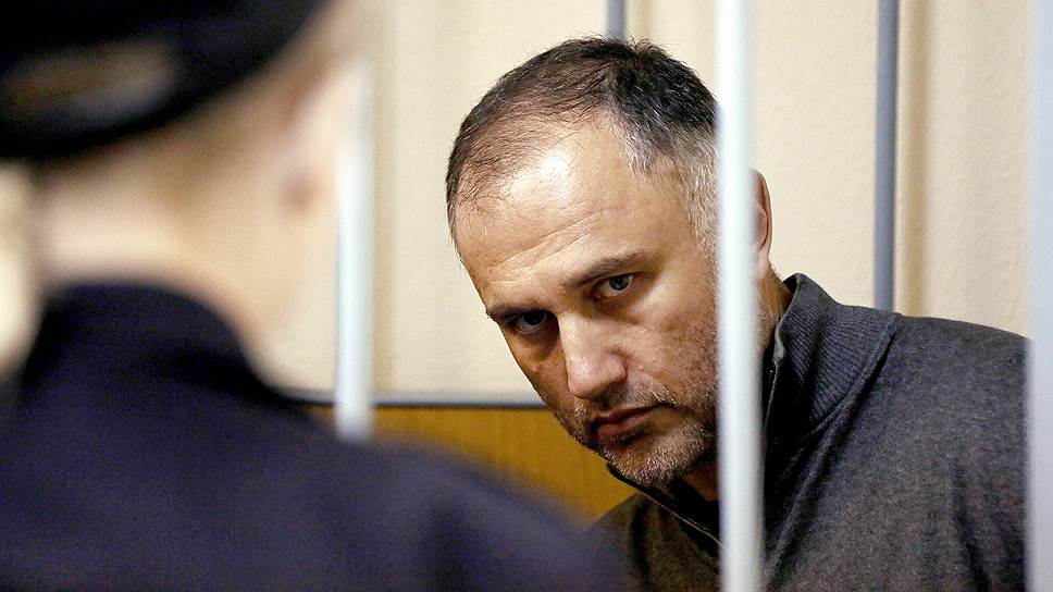 Бывший вице-губернатор Санкт-Петербурга Марат Оганесян стал фигурантом сразу двух уголовных дел — о мошенничестве и о взятке