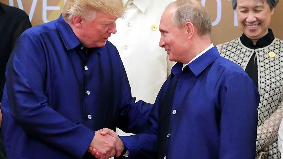 Рукопожатие Дональда Трампа и Владимира Путина состоялось только на фотографировании — на нейтральной территории
