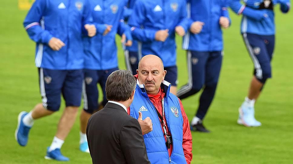 В 2017 году в контрольных матчах и на Кубке конфедераций на поле в команде Станислава Черчесова выходили 39 игроков, но с основой сборной ее главный тренер, похоже, определился
