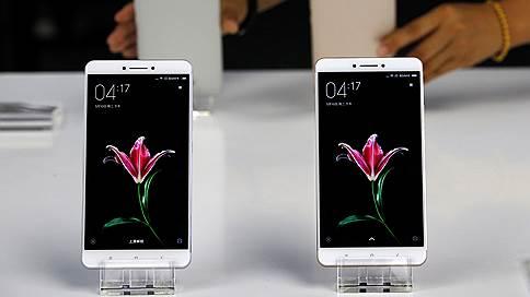 Xiaomi взяла бронзу // Китайская компания увеличила поставки смартфонов в Россию