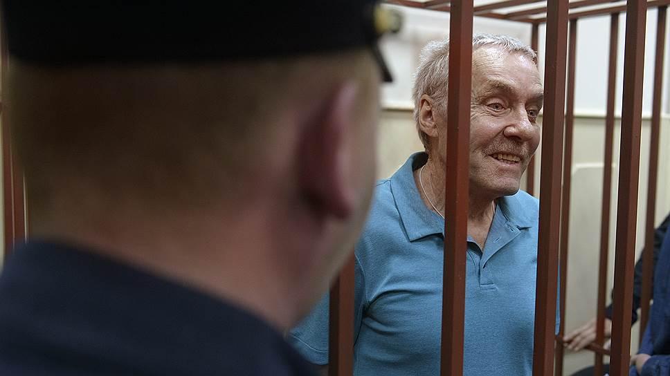 Виктор Захарченко утверждает, что на большую часть арестованного по делу его сына имущества он сам заработал еще в прошлом веке