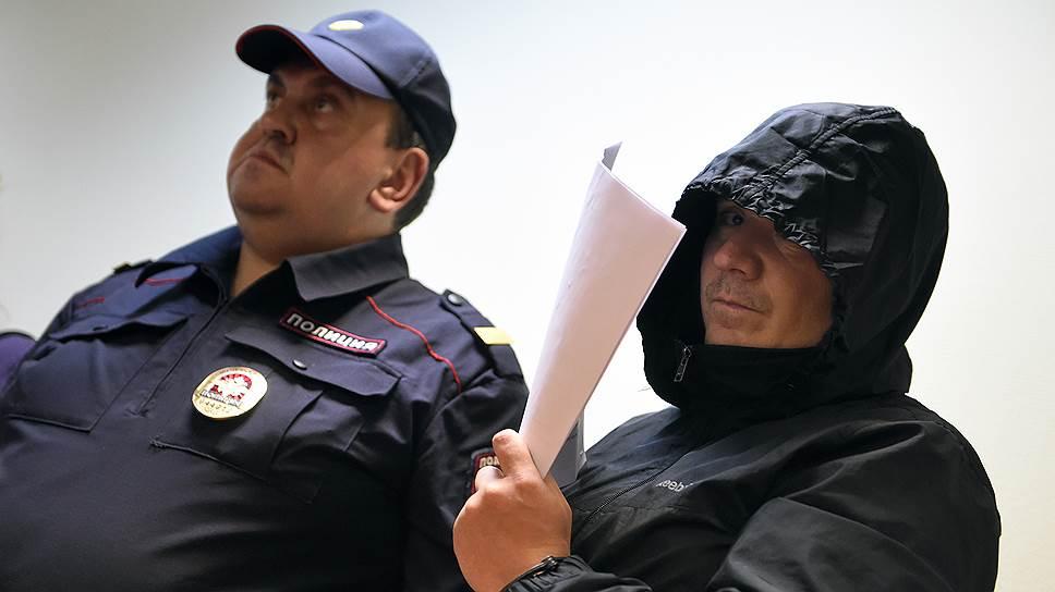 Михаил Захаров в суде утверждал, что непричастен к рэкету и взяткам