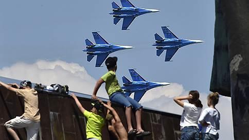 Крылья складывают в положенном месте // «Ростех» может получить Объединенную авиастроительную корпорацию