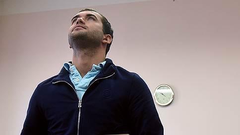 Футболисты атакуют завод // Александр Кержаков и Иван Саенко пытаются взыскать ущерб от миллионных махинаций