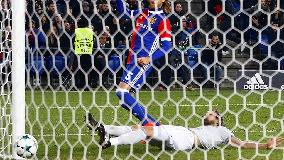 Гол Михаэля Ланга в ворота «Манчестер Юнайтед» ухудшил турнирную ситуацию не столько для английского клуба, сколько для ЦСКА