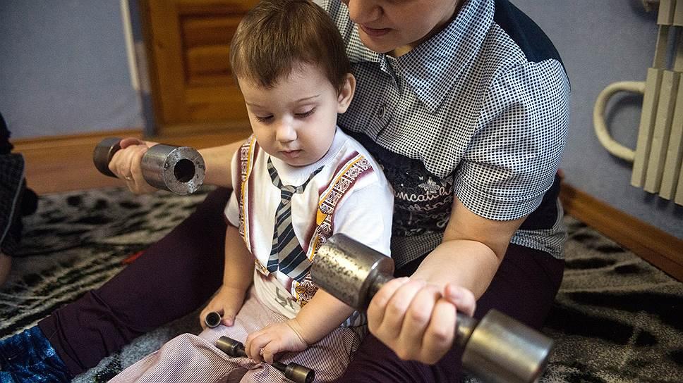 Врачи роддома советовали Людмиле от Руслана отказаться, говорили, что у нее будут другие, здоровые дети