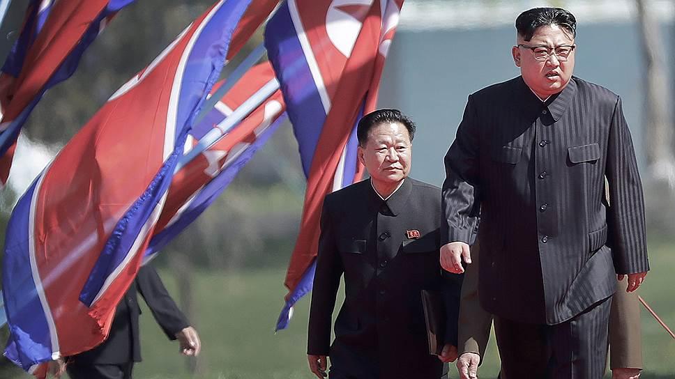 Северокорейский лидер Ким Чем Ын уже два месяца ничего не взрывает и не запускает