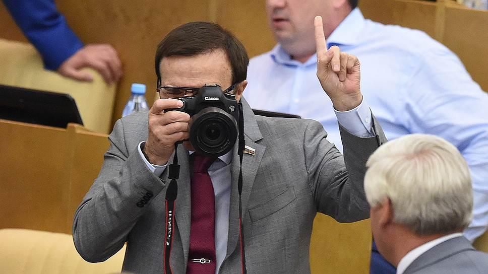 Почему американские СМИ лишают доступа в российский парламент