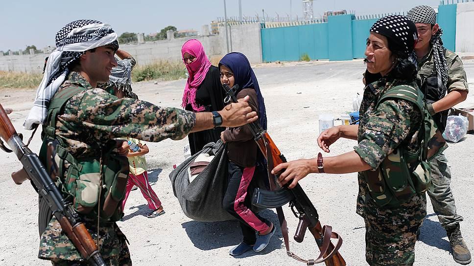 Сотрудничество с курдским ополчением не предполагает передачи ему российского оружия