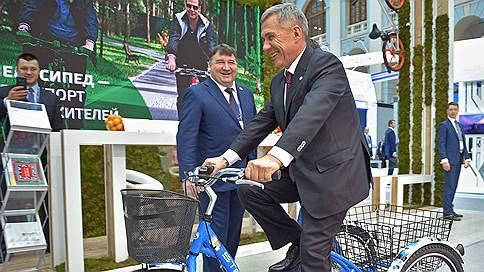 Татарстану больше не нужен договор с Россией  / Рустам Минниханов призвал поддержать на выборах Владимира Путина