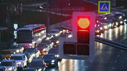 На пути водителей появятся новые запреты // Их опишут в новом законе Об организации дорожного движения