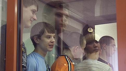 Несовершеннолетних предлагают судить отдельно // В России могут быть созданы специальные уголовные суды для лиц младше 18