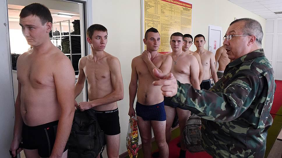 Треть российских студентов готова служить, но не считает это своим долгом