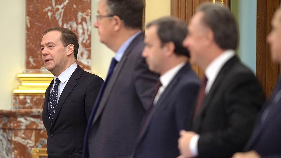 Какие министрам расписали шансы на отставку
