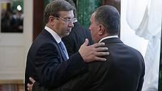 Владимиру Евтушенкову (на фото 2009 года — слева) и Игорю Сечину давно не приходилось оказывать друг другу знаки дружеского внимания