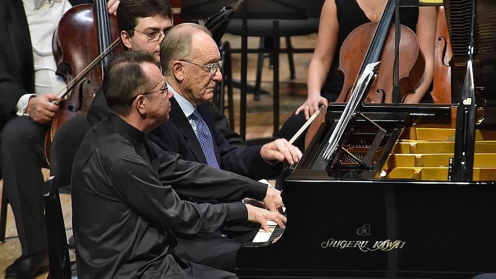 Одной из кульминаций фестиваля стал фортепианный дуэт Михаила Плетнева и композитора-юбиляра
