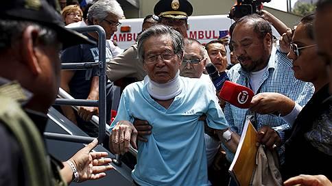 Президент Перу помиловал предшественника // Альберто Фухимори вышел на свободу после провала импичмента