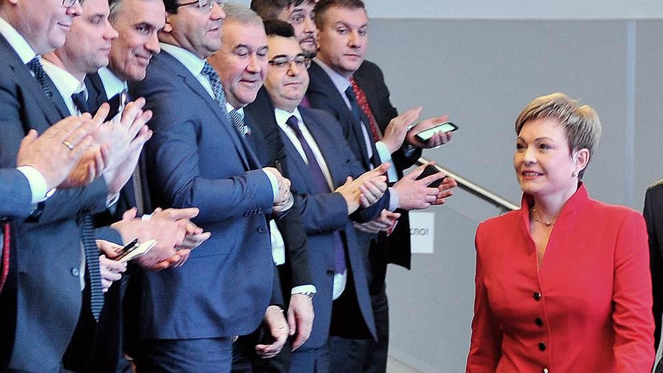 Мурманские политики всматриваются в будущее губернатора Марины Ковтун