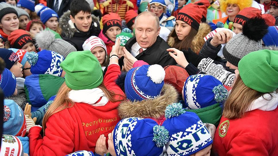 Как Владимир Путин провел утренник на Соборной площади Кремля