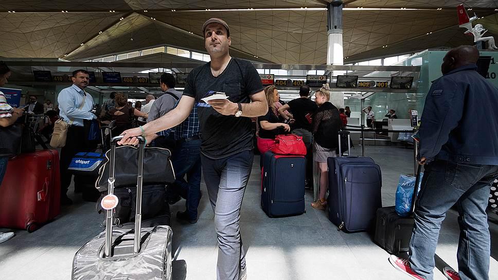 Как авиакомпании выпадают с рынка и из внимания чиновников