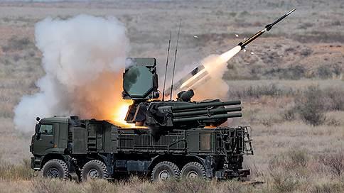Боевики вышли в воздушное пространство // Военные отбили атаку беспилотников на российские объекты в Сирии