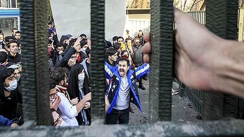 Иран устал от исламской революции // Ведущее государство Ближнего Востока отходит от заветов аятоллы Хомейни