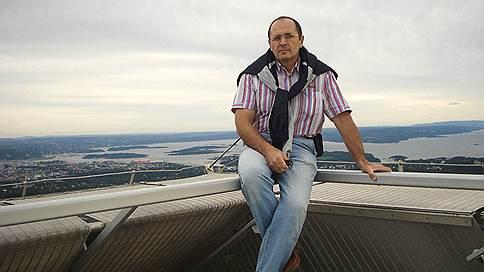 Главе чеченского Мемориала предъявили наркотики // Правозащитники связывают его задержание с деятельностью организации в республике