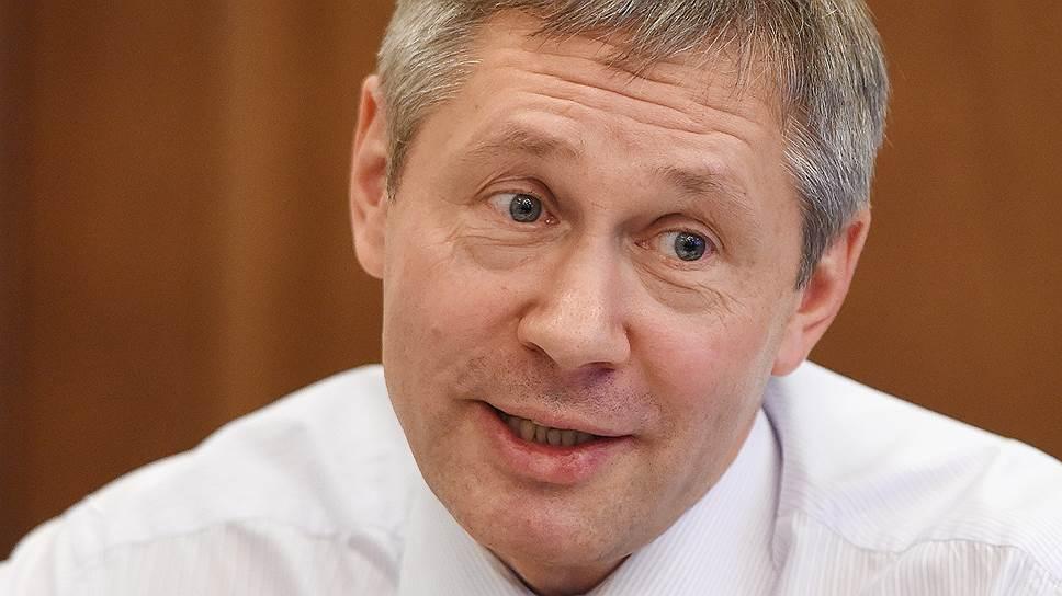 Глава Росгидромета Максим Яковенко во время интервью